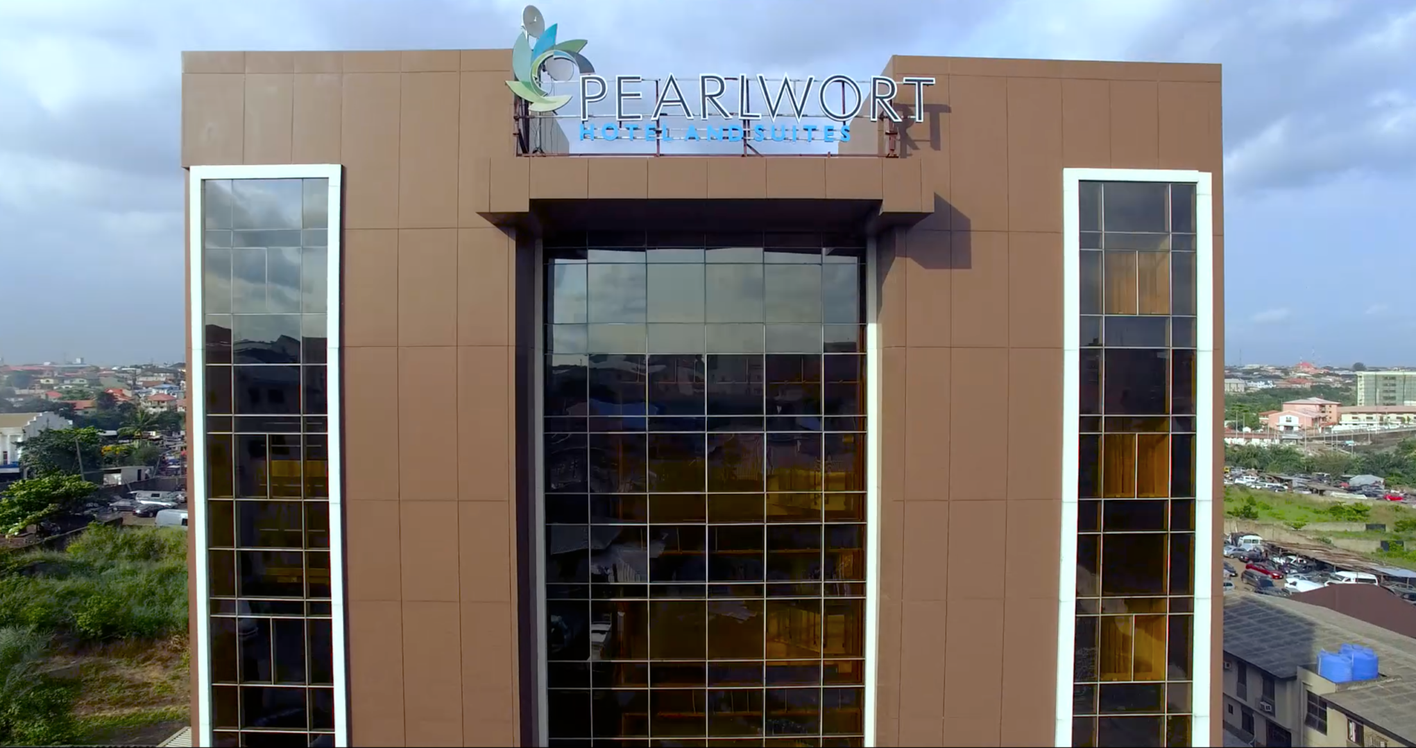 pearlwort hotel front